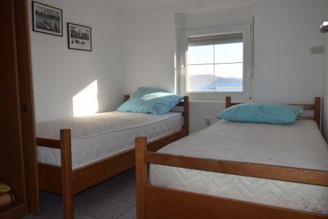 Ingatlan Betina, Apartmanház 1.sorban a tengertől - 10 apartman