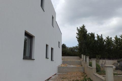 Nekretnine Vodice, Vila na mirnoj lokaciji sa panoramskim pogledom i bazenom