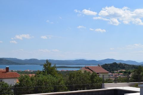 Nekretnine Murter, zemljište, Mirakul nekretnine, ID - GM - 317, Zemljište sa građevinskom dozvolom i panoramskim pogledom