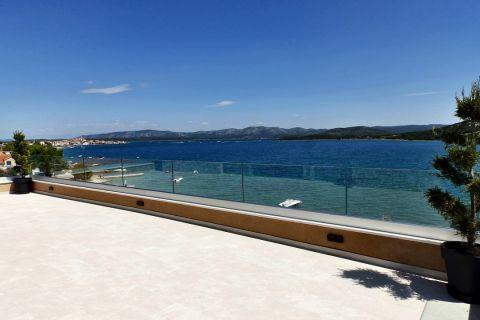 Ingatlan Betina Tisno Horvátország, lakás, Mirakul ingatlaniroda, ID - AB-644, Panorámás luxus lakás közvetlen a tengernél
