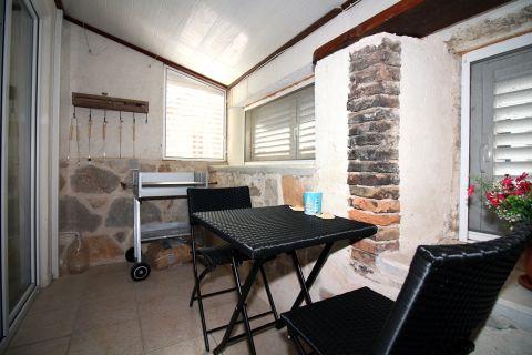 Nekretnine Tisno, kuća, Mirakul nekretnine, ID - KT-497, Renovirana kamena kuća blizu mora 3