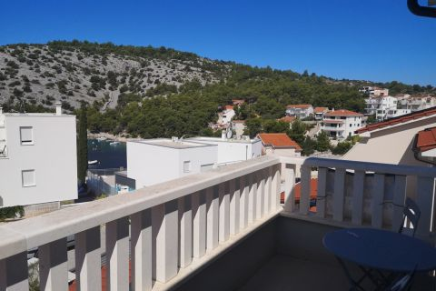Properties Rogoznica Croatia, flat, Mirakul Real Estate agency, ID - AR-645, Apartment with sea view in Ražanj 2
