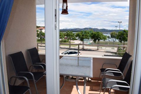 Immobilien Betina, Verkauf von schöner Wohnung in erster Reihe am Meer AB-648, Mirakul Immobilien 1
