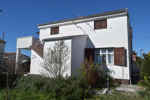 Properties Vodice Croatia, house, Mirakul Real Estate agency, ID - KV-526, House with garden