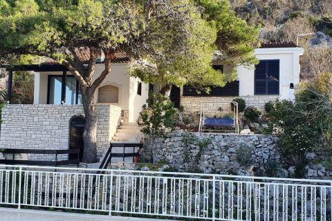 Tisno Ingatlan Horvátország, Eladó családi ház a strand közelében, KT-530, Mirakul Ingatlanok