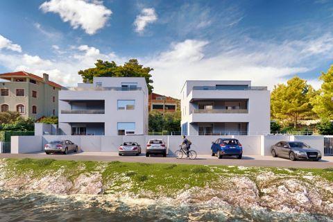 Ingatlan Murter, Háromszobás tengerparti lakás az 1. emeleten