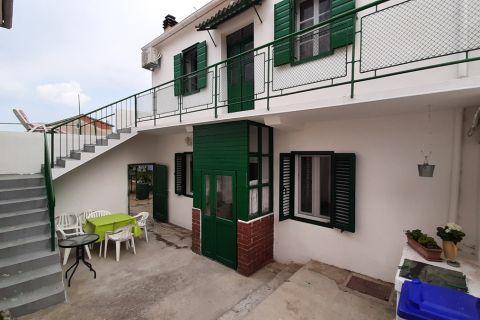 Nekretnine Murter, Prodaja kuće sa vrtom u centru mjesta, blizina mora, KM-541, Mirakul nekretnine 1