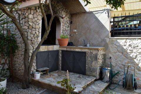 Nekretnine Vodice, Kuća sa vrtom i pogledom na more