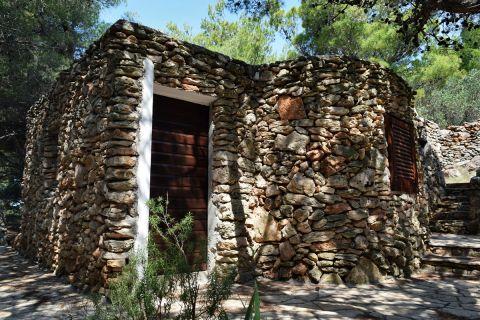 Nekretnine Murter, Prodaja kamene kuće u borovoj šumi, prvi red do mora sa pogledom na Kornate, KM-543, Mirakul nekretnine 1