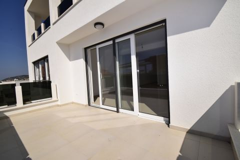 Real Estate Vodice, Three bedroom flat on the first floor of a new building - SJ5