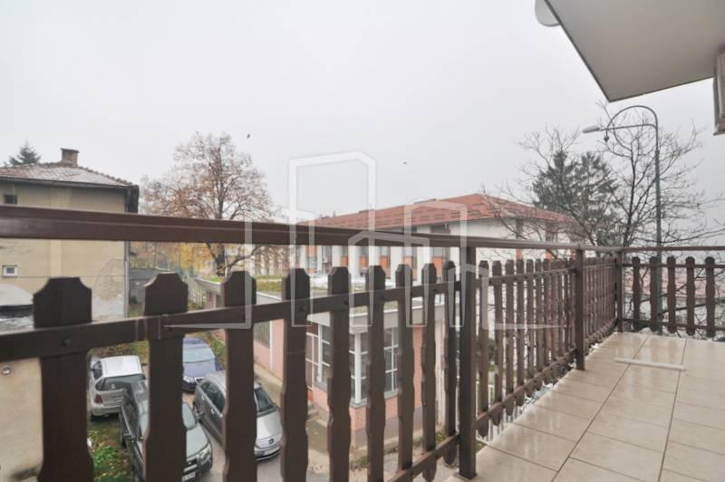 Četverosoban namješten stan iznajmljivanje Vraca