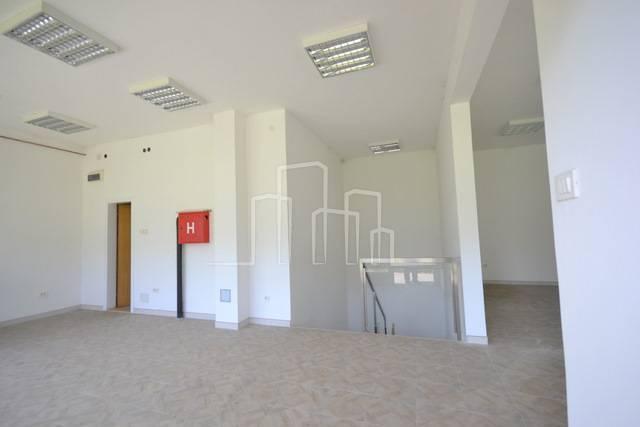 Dvoetažni poslovni prostor novogradnja Č.Vila