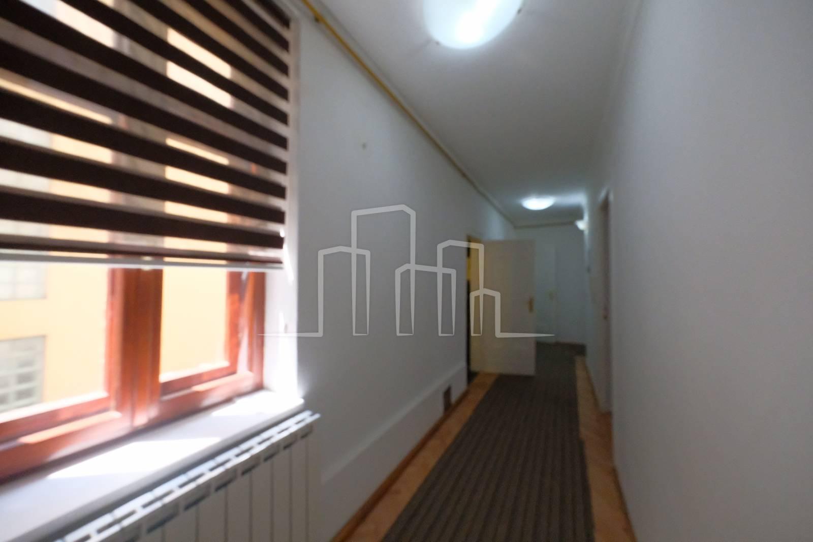 Najam veći četverosoban stan Centar Sarajevo