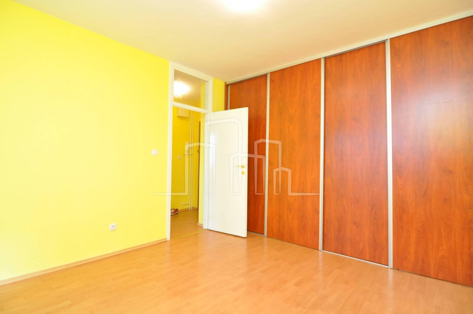 Kancelarijski poslovni prostor 40m2 iznajmljivanje Pofalići