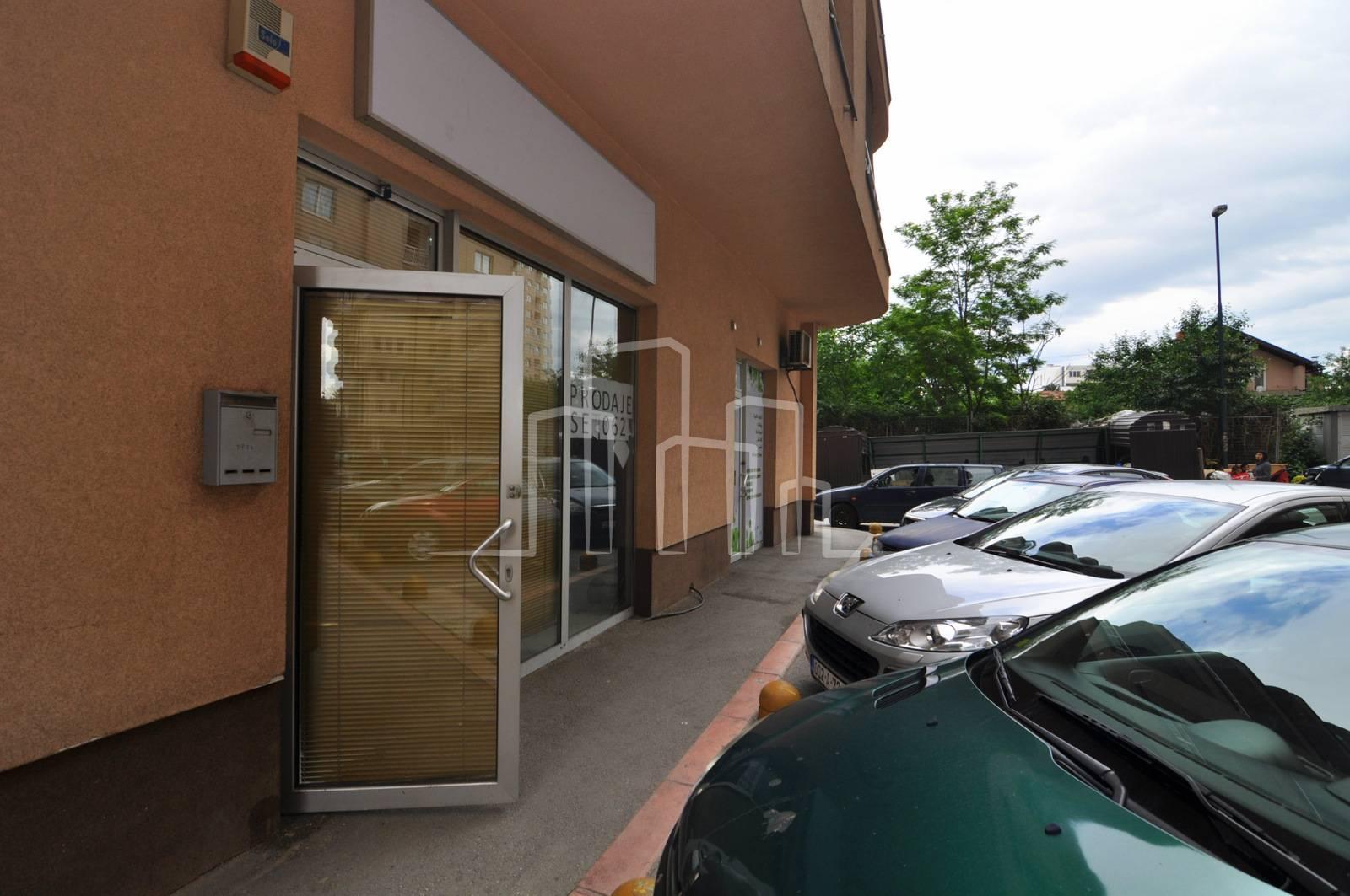 Business premise Ilidža, Sarajevo, 43m2