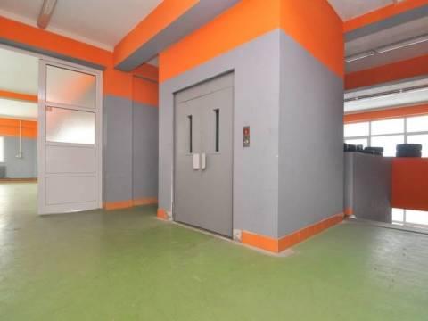 Skladišni prostor sa kancelarijama