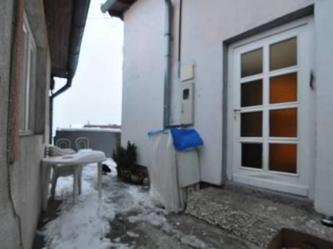 Adaptirana kuća prodaja Vratnik