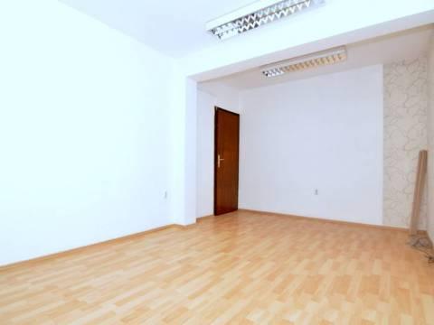 Poslovni prostor kancelarijskog tipa najam Centar