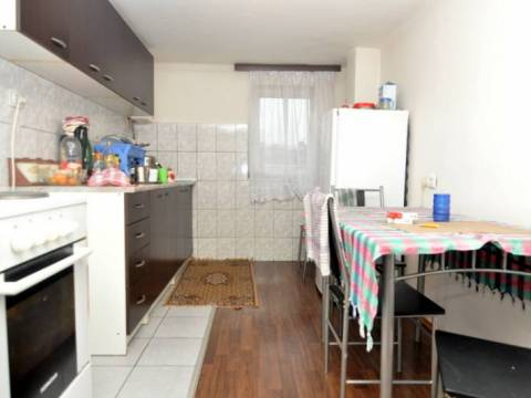 Trosoban stan prodaja Marin Dvor-Centar
