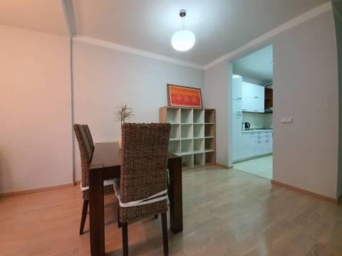 Trosoban stan i garaza za najam Skenderija