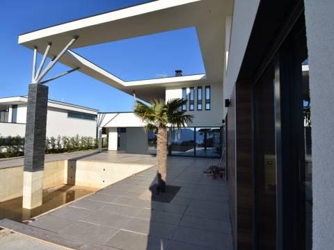 Okolica grada Krka,prodaja ekskluzivne vile sa pogledom na more, novogradnja!