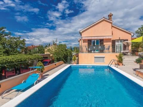 Prekrasna renovirana kuća s bazenom! Omišalj!
