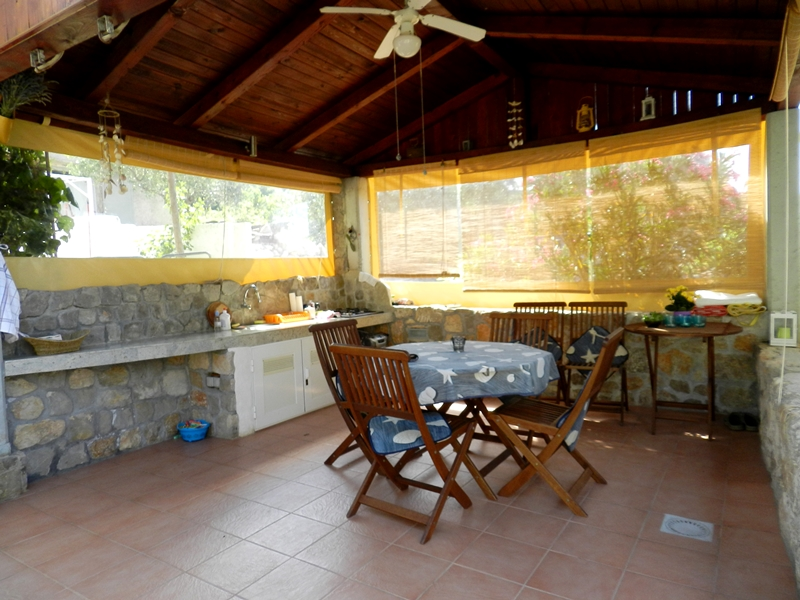 Otok Krk, Punat, stara kamena dvojna kuća 300 m od plaže!
