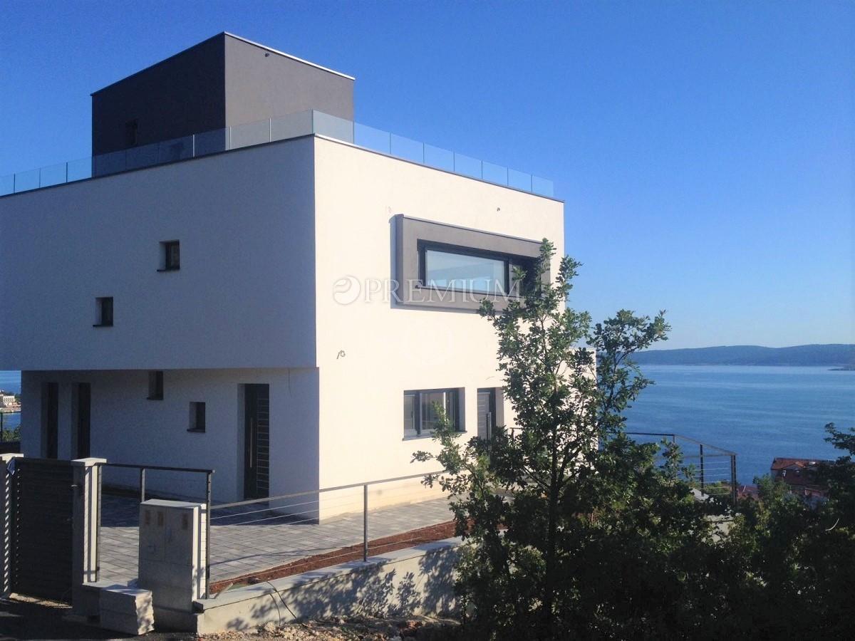 Selce, prodaja ekskluzivnega duplex stanovanja z bazenom in čudovitim pogledom na morje!
