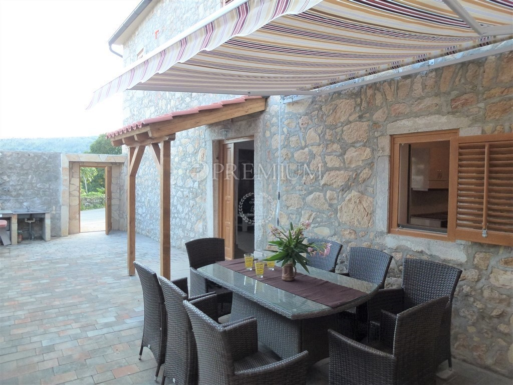 The House Has Two Parking Spaces And A Garden Across The House Of 100 M2.  The House Is Located In A Quiet Location In The Vicinity Of Family Houses,  ...