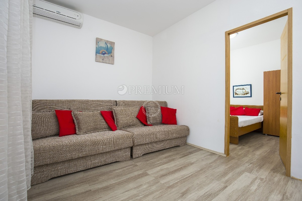 On The Ground Floor There Is A Barbecue And Parking For 4 Cars. Energy  Class C. The House Is Located In An Excellent Location 100 M From The Sea.