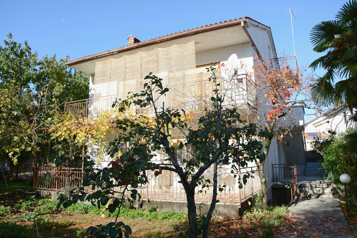 The House Has A Garage For One Car. The House Is Located In An Attractive  Diel Malinska, Only 100 M From The Sea, Near The Beaches.