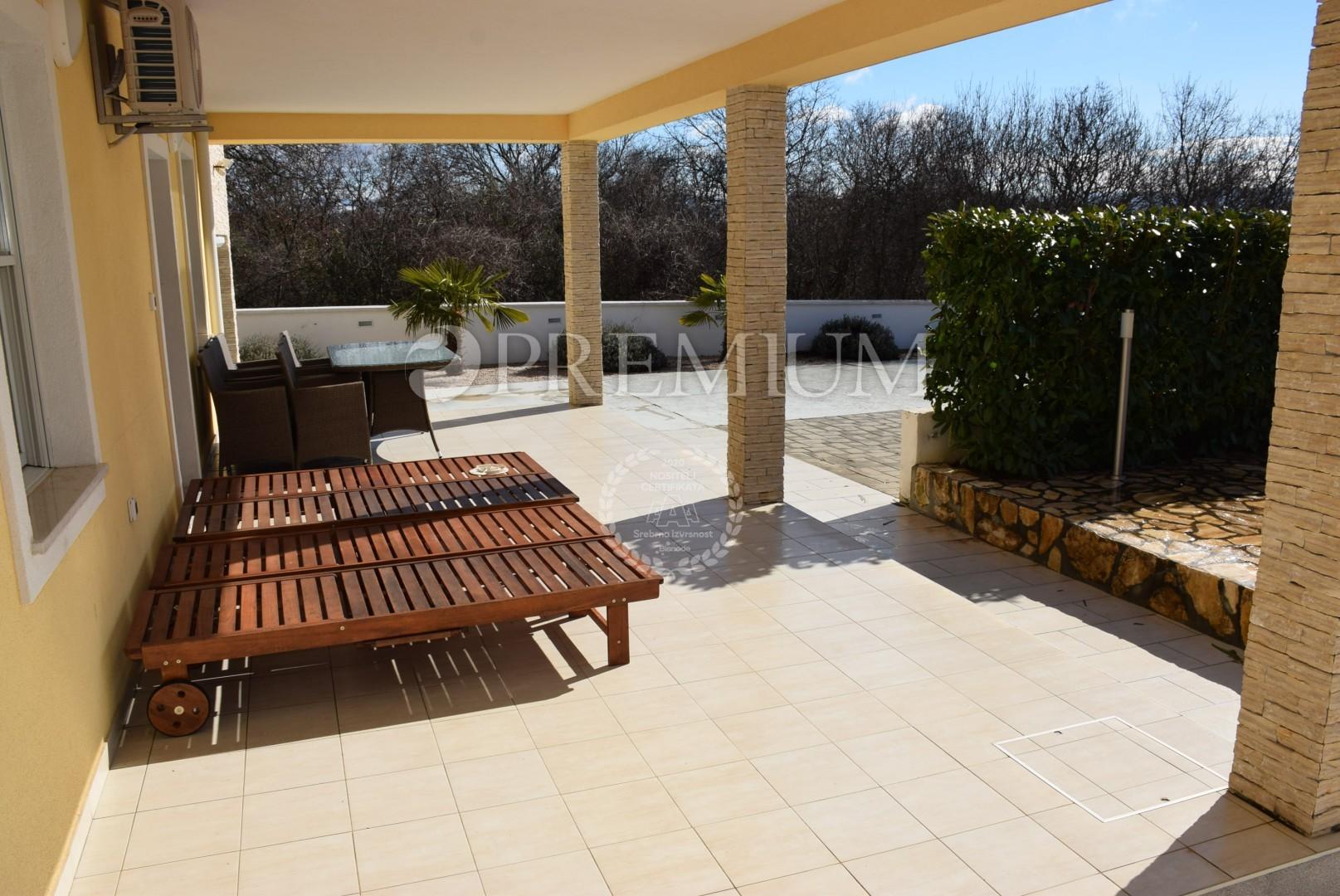 Haus von 180 m2 mit Pool und Meerblick, Haus