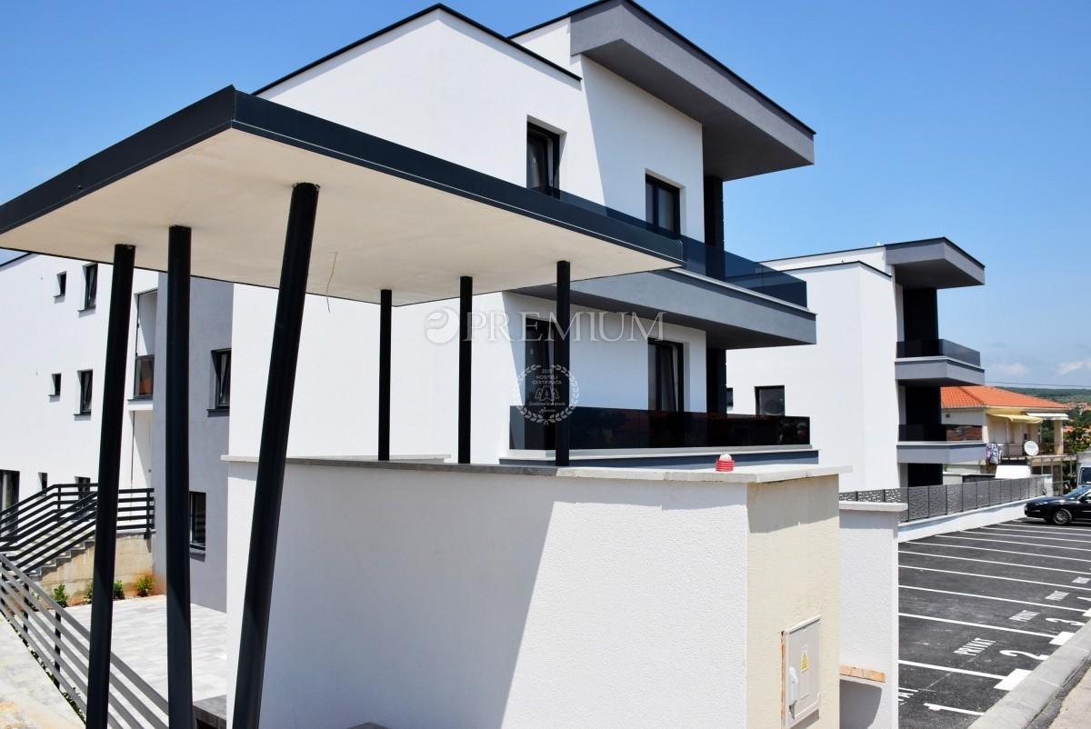 Krk Vendita Di Appartamento Di Nuova Costruzione Al Primo Piano Con Giardino E Monolocale Al Piano Terra Appartamento
