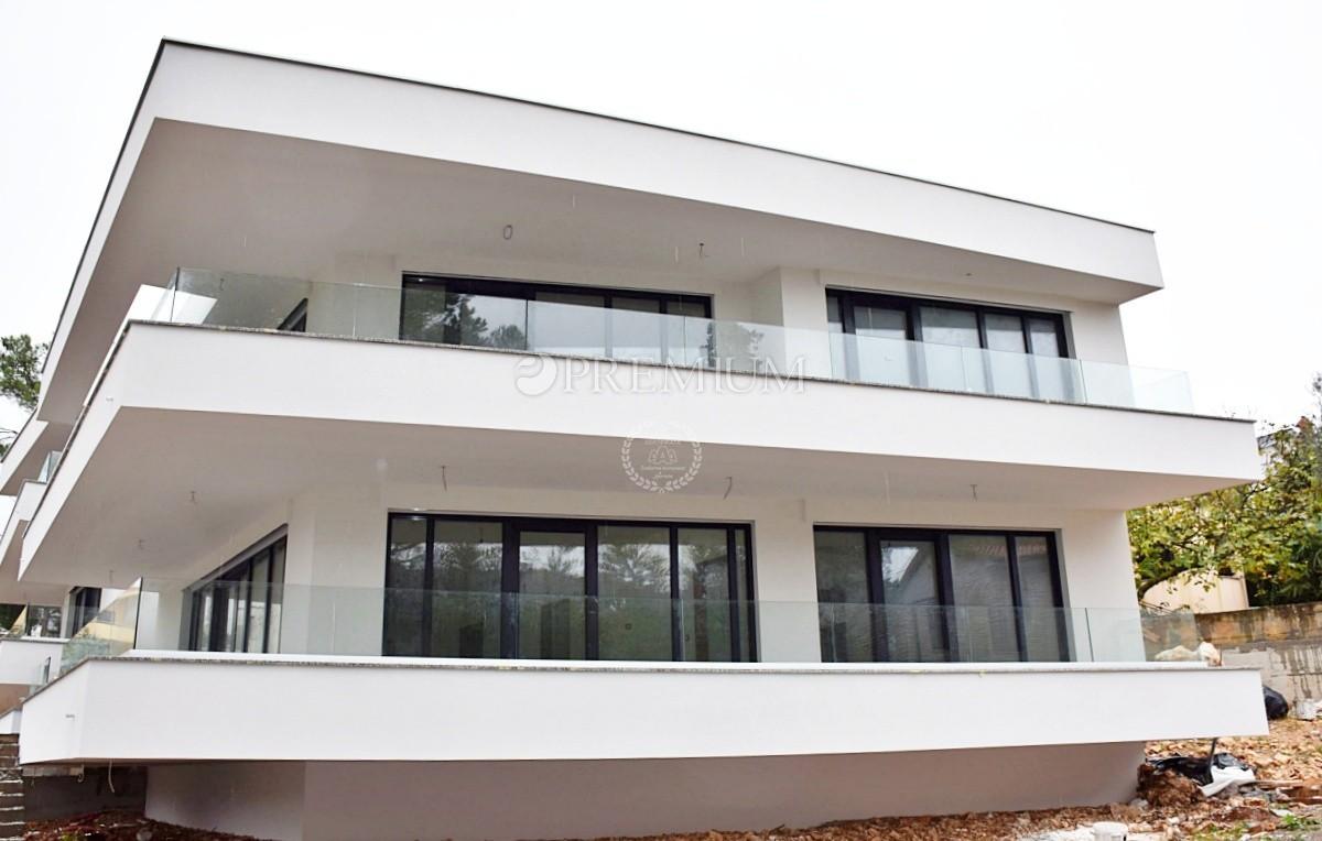 Malinska In Vendita Moderno Appartamento Di 122 M2 Con Una