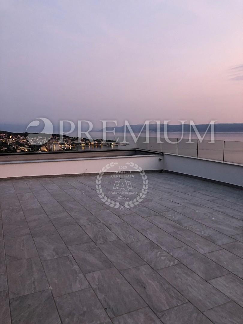 Selce, na prodaj ekskluzivni penthouse z jacuzzijem in čudovitim pogledom na morje!
