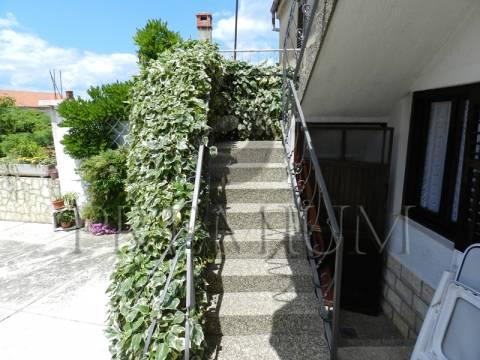 Hiša Malinska, Malinska-Dubašnica, 90m2