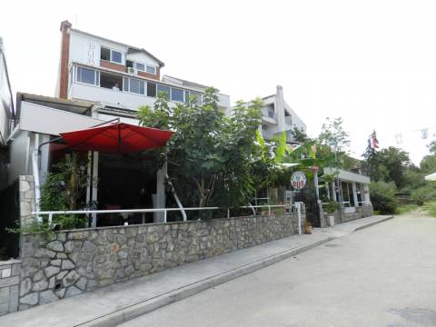 Poslovni prostor Malinska, Malinska-Dubašnica, 1.062m2