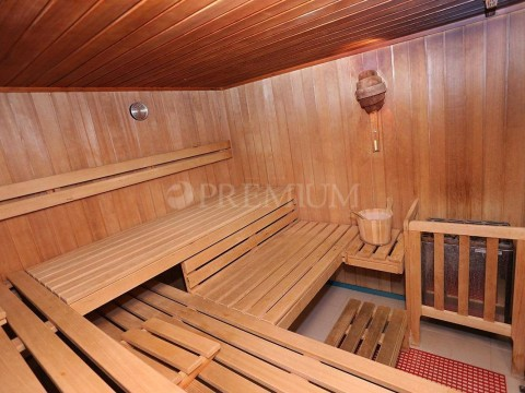 Crikvenica, prodaja 4 * hotel na atraktivni lokaciji, tik ob morju !!!