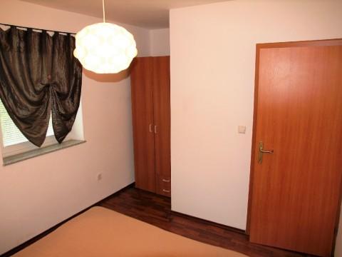 Čižići, prodaja apartmana u prizemlju sa okućnicom !! Odlična lokacija 200 m od mora
