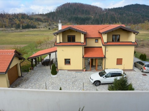 Fuzine, sale of luxuriously equipped villas with pool, sauna and gym !!