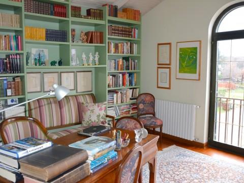 Otok Krk, Malinska, četverosobni dvoetažni apartman površine 269 m2!
