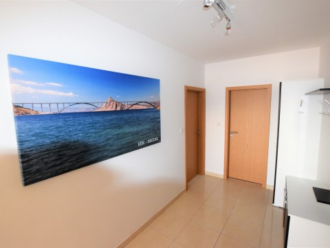Malinska, veliki lijepi apartman, 93 m2, s predivnim pogledom na more.