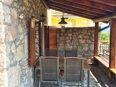 Šilo območje, prodaja obnovljeno opremljeno staro kamnito hišo!