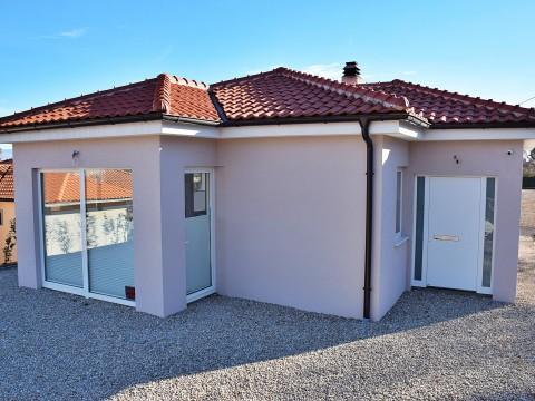 Comune di Dobrinj, vendita di casa arredata con piscina e giardino!