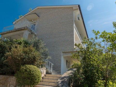 Crikvenica area, for sale, detached house with three residential units, open sea view! Potential for tourism!