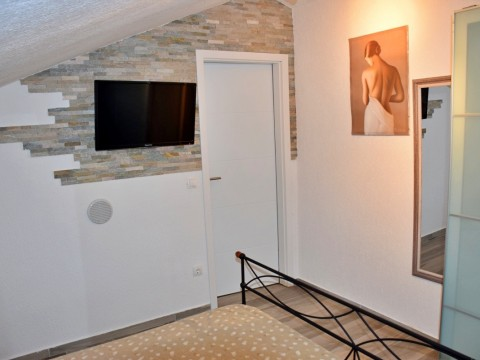 Malinska, prodaja, udobno in funkcionalno dvoetažno stanovanje!