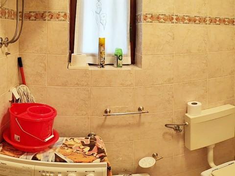 Malinska, prodaja, opremljeno stanovanje v prvem nadstropju, atraktivna lokacija, 250 m od morja!