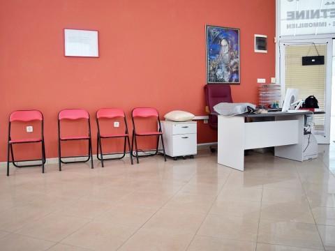 Malinska, prodaja, poslovni prostor u prizemlju na frekventnoj lokaciji 300 m od mora!