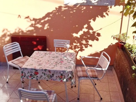 Omišalj, prodaja, starodavna kamnita hiša v osrčju pristnega Omišlja na otoku Krku!