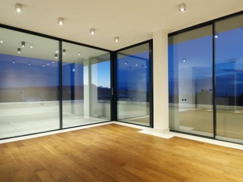 Krk, prodaja modernog apartmana u prizemlju luksuzne vile !!